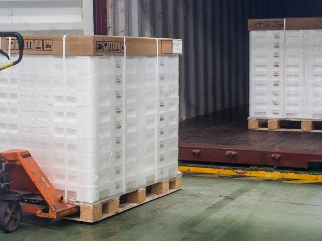 https://mk0reliablecourx6p9k.kinstacdn.com/wp-content/uploads/2021/01/truckload-vs-ltl-shipments-640x480.jpg